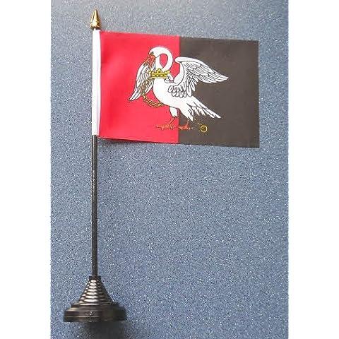 Buckinghamshire bandera con soporte de plástico y la base.