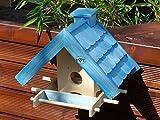 Vogelfutterhaus,BTV-X-VOWA3-blau002 Robustes, stabiles Vogelhäuschen + 5 SITZSTANGEN, KOMPLETT mit Futtersilo + SICHTGLAS für Vorrat PREMIUM Vogelhaus - ideal zur WANDBESTIGUNG - vogelhäuschen, Futterhäuschen, FUTTERHAUS für Vögel, WINTERFEST - MIT FUTTERSCHACHT Futtervorrat, Vogelfutter-Station Farbe blau SKY BLUE himmelblau hellblau mittelblau dunkelblau/natur, MIT TIEFEM WETTERSCHUTZ-DACH für trockenes Futter, Schreinerarbeit aus Vollholz