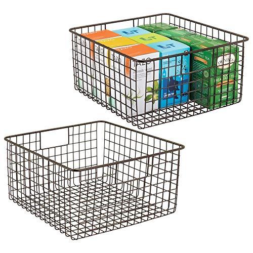 mDesign 2er-Set Allzweckkorb aus Metalldraht - flexibler Aufbewahrungskorb für die Küche, Vorratskammer etc. - kompakter und universeller Drahtkorb mit Griffen - bronzefarben