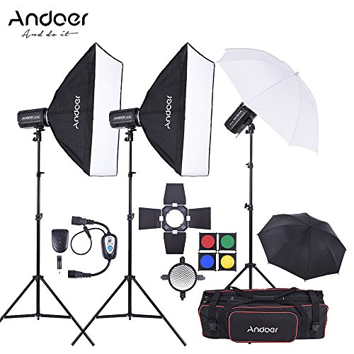Andoer MD-300 750W Kit di Stroboscopio Flash Luce di Studio: Strobo Flash di Studio 250W * 3)+Basamento della luce*3+Softbox*2+ Ombrello*2+Barn Door+Flash Trigger+Borsa per Video Riprese Fotografia