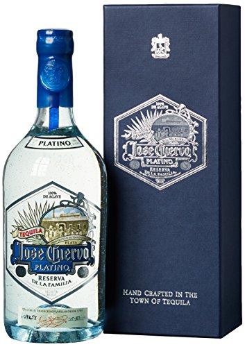 jose-cuervo-platino-reserva-de-la-familia-mit-geschenkverpackung-tequila-1-x-075-l