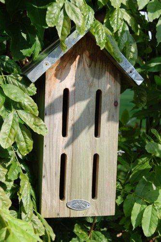 Ein Haus für Schmetterlinge im Garten