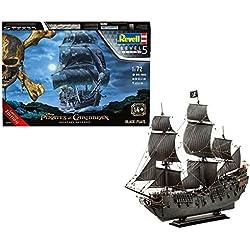 Maqueta de barco de Piratas del Caribe.