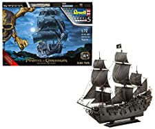 Modellbausatz der legendären Black Pearl, dem Schiff von Captain Jack Sparrow aus der Filmreihe FLUCH DER KARIBIK. Im fünften Teil SALAZAR S RACHE steht Jack dem furchterregenden Captain Salazar gegenüber, der jeden Piraten auf offener See töten will...