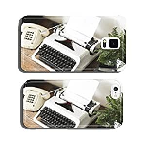 eighties retro secretary desk with typewriter cell phone cover case Samsung S5