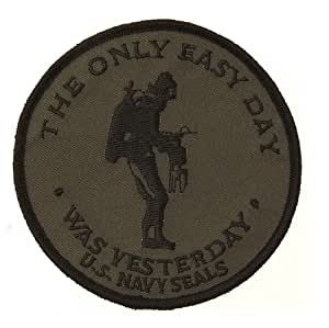 ECUSSON/ PATCH BRODE THERMO COLLANT US NAVY SEALS THE ONLY EASY DAY WAS YESTERDAY NOIR VERT AIRSOFT KZA-E717/442306686