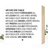 Wunderpixel Holzbild Wir sind eine Familie - 15x15x2cm zum Hinstellen/Aufhängen, echter Fotodruck mit Spruch auf Holz - schwarz-weißes Wand-Bild Aufsteller Zuhause Büro Dekoration oder Geschenk