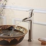 YUPL Grifo de lavabo Europea retro cepillado cobre cascada grifo de agua fría del agujero grifo del fregadero baño cocina
