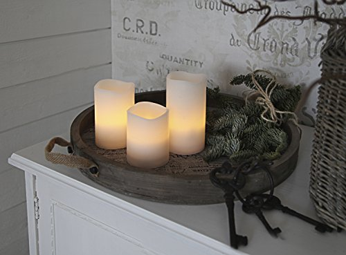 Romantische LED - Kerzen im Dreierpack / 3er Set - Größe 15 cm / 11,5 cm / 7,5 cm hoch - dekorative und stromsparende LED Technik inkl. Timer - Kerze flackernd - in creme - für Innen und Außen - Bereich - OUTDOOR - NEU - aus dem KAMACA-SHOP