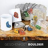 Boulderset bestehend aus Tasse, Schlüsselanhänger, Halskette, Glas und Kühlschrankmagnet