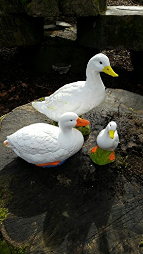 GARDEN-ORNAMENT-LARGE-MOTHER-DUCK