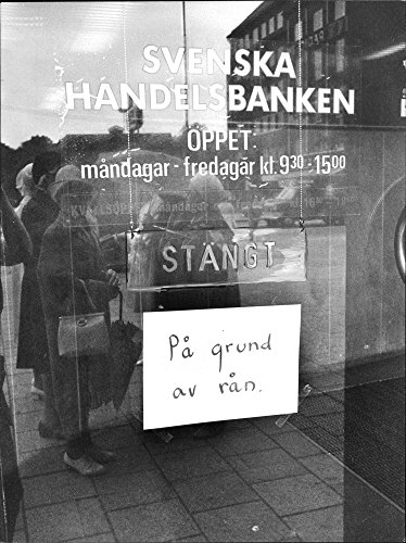 vintage-photo-of-the-bank-at-the-swedish-handelsbankens-offices-were-robbed