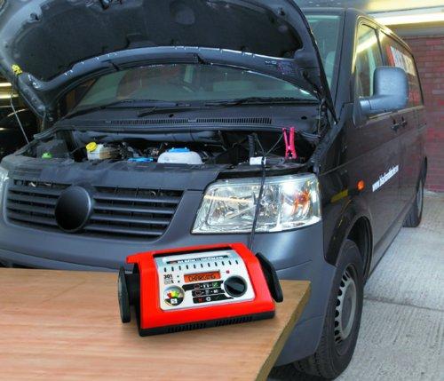 Black and Decker BDSBC30A Cargador Batería Autoselect, 30A