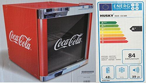 Husky HUS-CC 165 Coolcube Flaschenkühlschrank Coca-Cola / A+ / 51 cm Höhe / 84 kWh/Jahr / 50 L Kühlteil inkl. Reinigungstuch