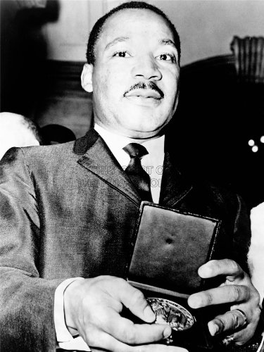 vintage-photography-bw-martin-luther-king-jr-american-award-medal-print-18x24-affiche-lv4854