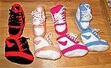 Babyschuhe/Babysocken / Söckchen/Chucks / Baby/Sohlenlänge ca. 8-9 cm/verschiedenen Farben/selbst gehäkelt/hand gemacht/Baby / Kinder/Schuh / Socken/Kleinkind / Schuhe/Stiefel / Hausschuhe