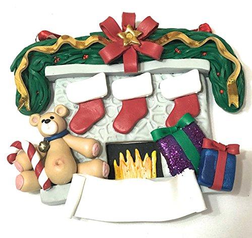 Deb & Co. Familie mit 3Weihnachten Strümpfe auf Kamin Weihnachten Ornament, Familie Ornament (Familie Strümpfe Weihnachten)
