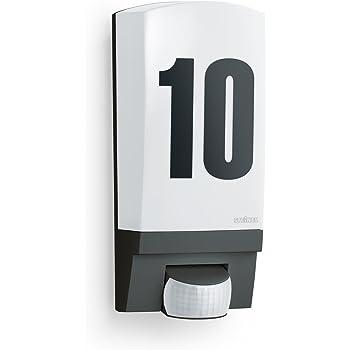 Steinel 650612 Lampada per Esterni con Sensore L 1 Nera, IP  44, Angolo di Rilevamento di 180°, Raggio D'Azione Fino a 10 m, Durata del Periodo di Accensione e Soglia di Luce Crepuscolare Regolabili, Incluso Foglio con Numeri Civici.