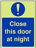 vsafety Arbeitsplattenverbinder an-g Gebotszeichen, schließen diese Tür bei Nacht, Kunststoff, Hochformat, 150mm x 200mm, blau