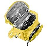 Orzly Travel Bag für alle Nintendo DS Konsole Modell Versionen mit Faltbarer Bildschirm (Original DS / 3DS / DS Lite / 3DS XL / DSi / New 3DS / New 3DS XL / 2DS XL / etc.) - Tasche enthält: Schultergurt + Tragegriff + Gürtelschlaufe + Fächer für Zubehör (Spiele / Stifte / Lade Kabel / Amiibo / etc.) - GELB