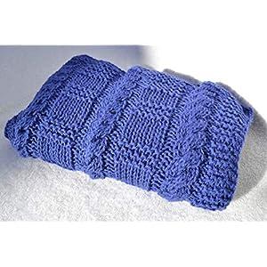 Decke Babydecke Strickdecke Kinderwagendecke Taufdecke blau mit Zopf Zopfmuster von Hand gestrickt