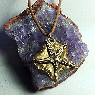 Pendentif, petit étoile de mer faite main en bronze couleur or seule ou (en option) sur un verre de plage