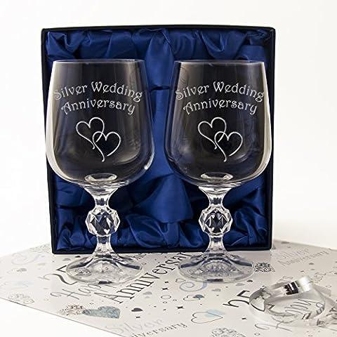 Il 25° anniversario di matrimonio, colore argento, una coppia di
