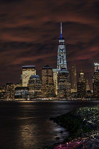 The Poster Corp F. M. Kearney/Design Pics - Manhattan Skyline at Twilight Liberty State Park; Jersey City New Jersey United States of America Photo Print (60,96 x 96,52 cm) -