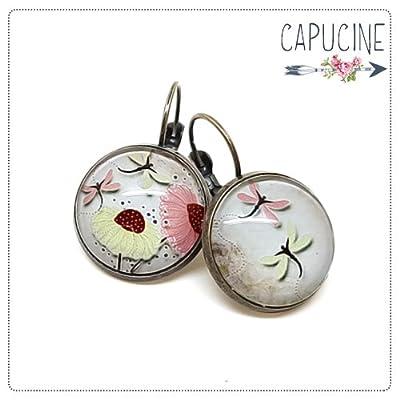 Boucles d'Oreilles Dormeuses cabochon verre Fleurs et Libellules Rose, Vert Clair sur Fond Vieilli Beige Marron