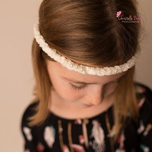 Bandeau fin avec perles sur le coté, modèle crème