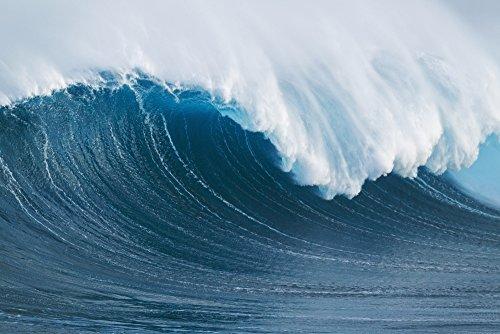 The Poster Corp MakenaStockMedia/Design Pics - Hawaii Maui Peahi Giant Wave Breaking at Jaws. Photo Print (45,72 x 30,48 cm)