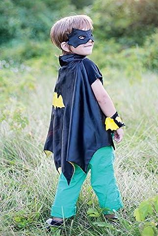 Creative Education Bat Cape Set with Mask & Wristbands,