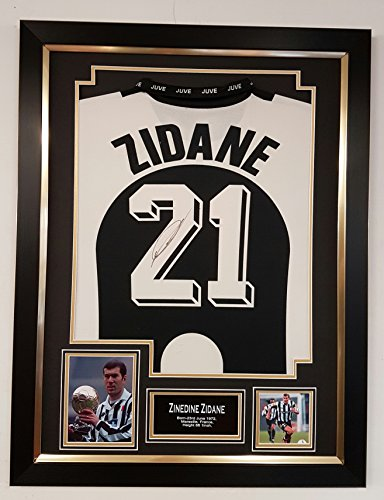 VERY-RARE-ZINEDINE-ZIDANE-of-JUVENTUS-Signed-Shirt