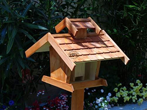 Vogelhaus+Ständer-Futterhaus-K-VOVIL4-MS-dbraun002 Großes PREMIUM-Qualität,Vogelhaus,KOMPLETT mit Ständer wetterfest lasiert, WETTERFEST, QUALITÄTS-SCHREINERARBEIT-aus 100% Vollholz, Holz Futterhaus für Vögel, MIT FUTTERSCHACHT Futtervorrat, Vogelfutter-Station Farbe braun dunkelbraun schokobraun rustikal klassisch, Ausführung Naturholz MIT TIEFEM WETTERSCHUTZ-DACH für trockenes Futter - 2