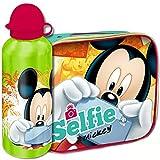 Kit cestino termico + borraccia di Topolino / Mickey Mouse, realizzato in materiale isolante, adatto a mantenere il contenuto ad una temperatura ideale e costante. Utile per l'asilo, o per le scuole elementari, il cestino può essere comodamen...