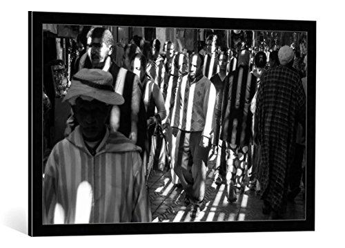 """Quadro con cornice: Apurva Madia """"CAPTIVES"""" - stampa artistica decorativa, cornice di alta qualità, 95x60 cm, nero / angolo grigio"""