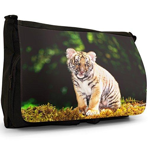 Selvatici Tiger–Borsa Tracolla Tela Nera Grande Scuola/Borsa Per Laptop Tiger Cub Sitting In Forest