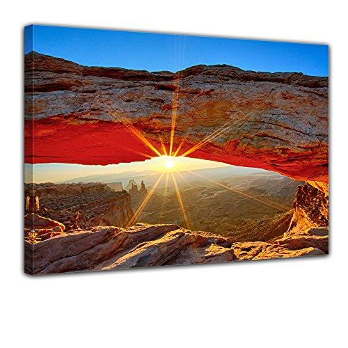 """SENSATIONSPREIS Bilderdepot24 Leinwandbild mit SOMMER RABATT """"Sunrise Mesa Arch, Canyonlands Nationalpark - Utah"""" 80x60 cm - eigene Herstellung, faire Produktion in Deutschland"""