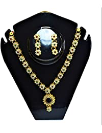 Winkle Sunflower Style Golden Pendant Multi-color Floral Golden Chain Jewellery Set For Women