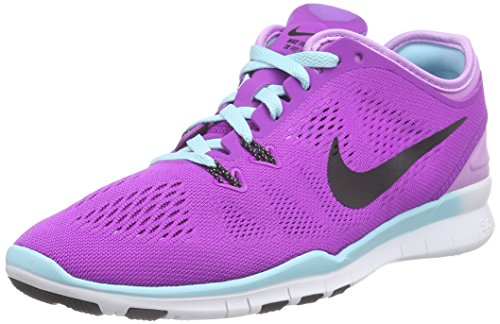 Nike Free TR 5.0 Fit 5, Chaussures Multisport Indoor femme Multicolore (Vivid Purple/Black-Fchs Glw-Cp 500)