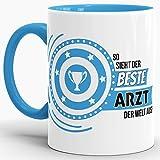 """Berufe-Tasse """"So sieht der beste Arzt aus"""" Innen & Henkel Hellblau / Job / Tasse mit Spruch / Kollegen / Arbeit / Fun / Mug / Cup / Geschenk / Beste Qualität - 25 Jahre Erfahrung"""