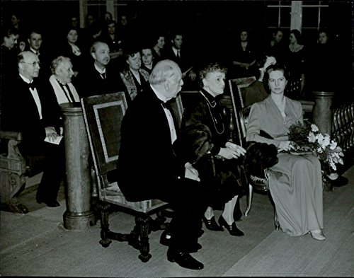 vintage-photo-of-concert-at-the-house-of-nobility-princess-sibylla-countess-klingspor-governor-murra