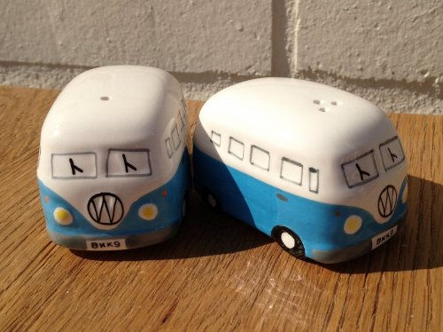 Camper-Van-Hippy-Bus-Salt-and-Pepper-Pots-Sky-Blue