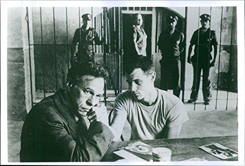 vintage-foto-di-brad-davis-e-mike-kellin-nel-1978-american-british-prigione-dramma-film-midnight-exp