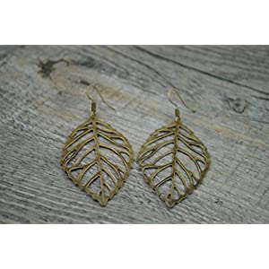 Ohrringe mit filigranem Blatt bronze