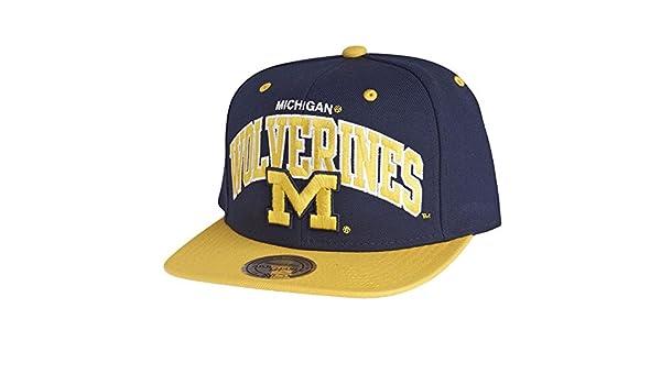 Mitchell   Ness Snapback Cap - NCAA Michigan Wolverines Team  Amazon.co.uk   Clothing dbaa146a385a