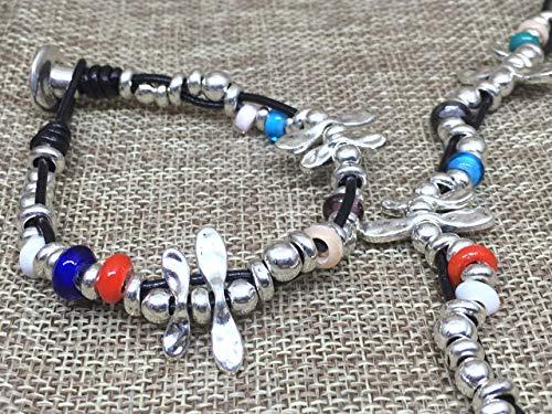 Imagen de pulsera zamak libélula con cordón de cuero alternativa
