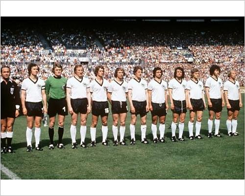 20x16 Print of Soccer - West Germany v Yugoslavia - World Cup West Germany 74 - Group B (12198680)