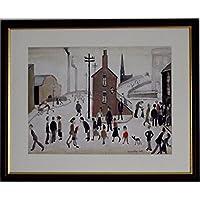 L S Lowry specialità stampa/Picture–Street scene–su una struttura in lino, medium, Walnut Finish frame With Soft White mount And Large Image, 20 x 16inch