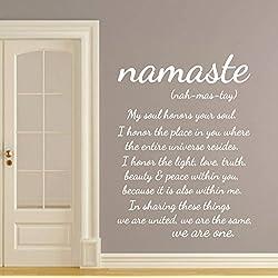 """Adhesivo para pared, diseño con palabra """"Namaste"""" y texto en inglés"""